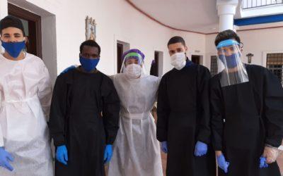 Voluntaris del Projecte Buzzetti participen en el repartiment d'aliments de Càritas a Córdoba