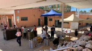 L' Associació Juvenil Carabela entrega aliments a les famílies vulnerables de Huelva