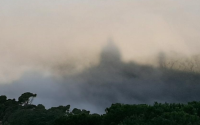 El Tibidabo sobre els núvols