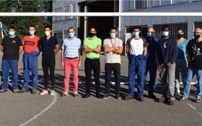 Alumnes de Salesians Monzón fabriquen 4 porteries per als camps de futbol municipals