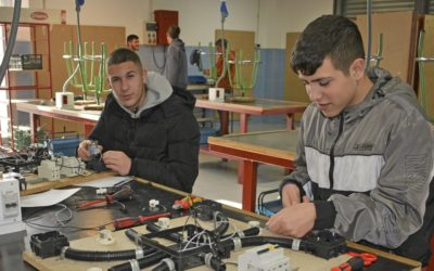 La Fundación Endesa i la Escuela Ocupacional Don Bosco ajudaran a 20 joves del Polígono Sur a millorar la seva formació