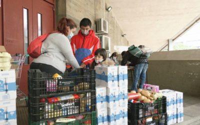 La cua de la fam de Navas, una altra Barcelona colpejada per la crisi de la covid