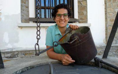 Mercedes Hoyo, Hija de María Auxiliadora para siempre