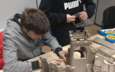 Projecte innovador: Reparació de joguines per als xiquets en risc d'exclusió