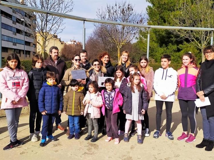 Huesca reconoce a 10 científicas con otras tantas placas en el parque de las Miguelas