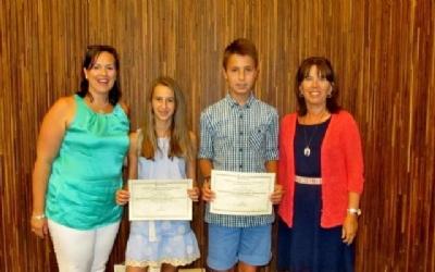 Dos alumnos de Alicante reciben el premio al rendimiento académico
