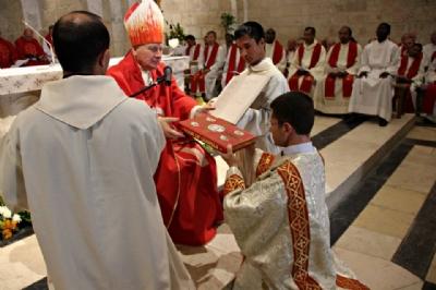 Fotonoticia: Manuel Hurtado ordenado diácono en Jerusalén