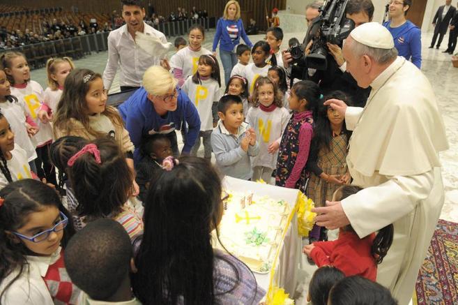El Papa Francisco explica lo que deben expresar los regalos en Navidad