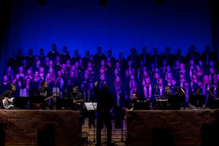 """El Concierto Solidario """"Testigos de la Luz"""" estrena con el teatro lleno de aplausos al talento"""