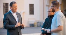 El servicio del Director Salesiano: una brújula para la comunidad