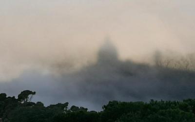 El Tibidabo sobre las nubes