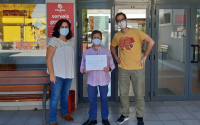 Las comuniones solidarias de Elche entregan 1.715 € a Cáritas Interparroquial
