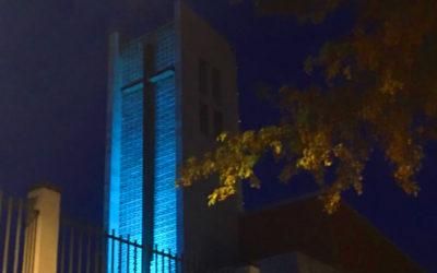 Salesianos Úbeda se ilumina de azul turquesa por el día de la Dislexia.