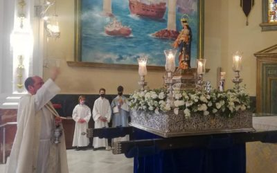 Salesianos Córdoba bendice la imagen de María Auxiliadora de 1901 tras su restauración