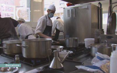 La cocina rescata jóvenes vulnerables en Ciutat Meridiana