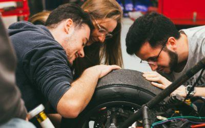 La EUSS y el sector automotriz colaboran en un estudio para decidir los equipamientos prioritarios del futuro laboratorio del Grado en Ingeniería de Automoción