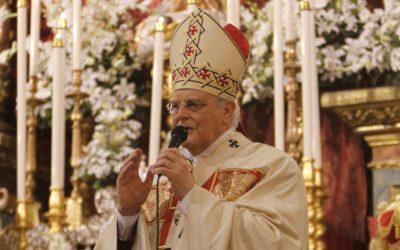 El cardenal Amigo entrega la medalla de su pontificado a María Auxiliadora de la Trinidad