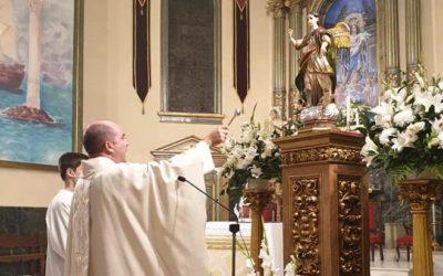 Bendición de una valiosa imagen de San Rafael en el Santuario de María Auxiliadora